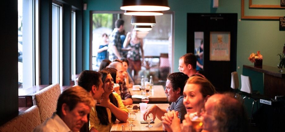 6-smart-ways-to-improve-your-restaurant's-seating-strategy